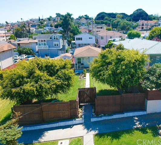 885 18th Street, San Pedro, California 90731, 2 Bedrooms Bedrooms, ,1 BathroomBathrooms,Single family residence,For Sale,18th,SB20075741