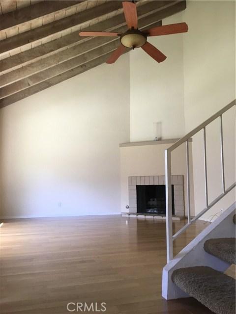 10512 S Jenny Lane, Garden Grove CA: http://media.crmls.org/medias/28e72742-597a-423e-9f0d-472247be591b.jpg