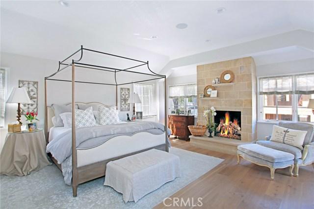 204 Emerald Avenue  Newport Beach CA 92662