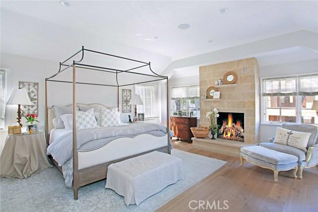 204 Emerald Avenue, Newport Beach, CA, 92662