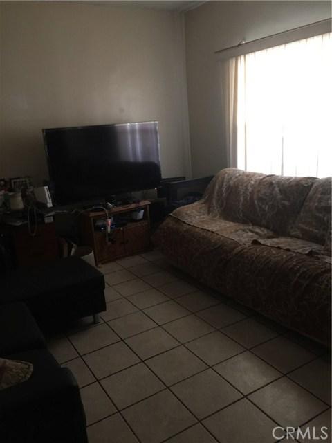 654 E 43rd St, Los Angeles, CA 90011 Photo 9