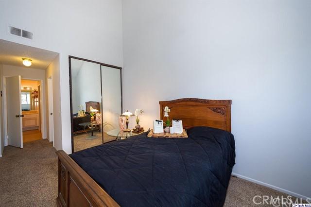 3480 Barham Boulevard, Hollywood Hills East CA: http://media.crmls.org/medias/29044ef7-c923-4122-bd96-388bd78c38f9.jpg
