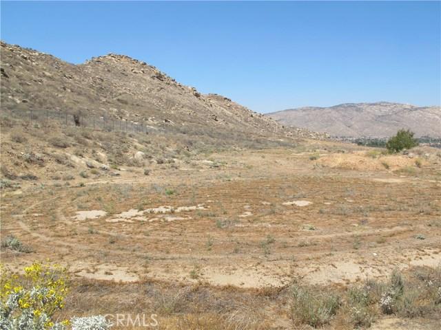 11275 Eagle Rock Road, Moreno Valley CA: http://media.crmls.org/medias/290d1489-5924-4ac8-8ea1-1e3746c84517.jpg