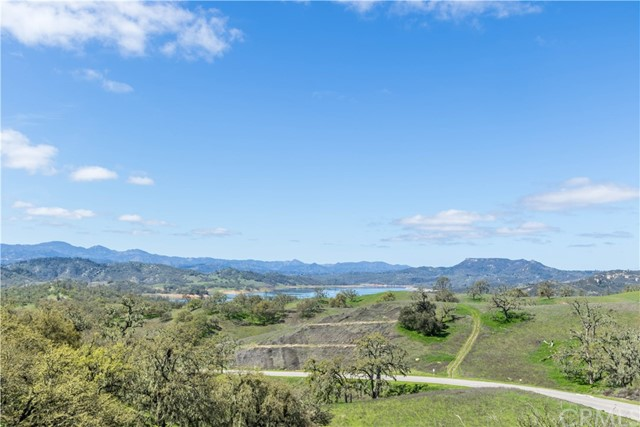 2740 Edgewood Court Paso Robles, CA 93446 - MLS #: NS18067615