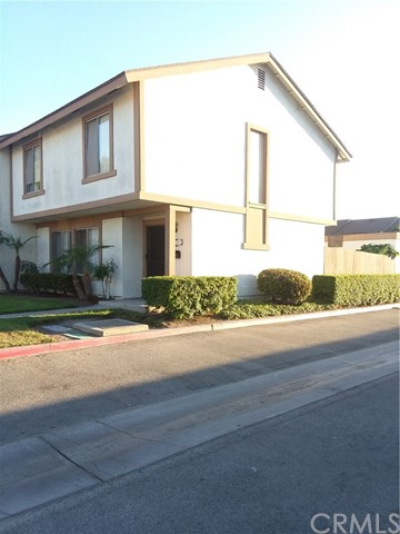 330   Carriage Drive , SANTA ANA