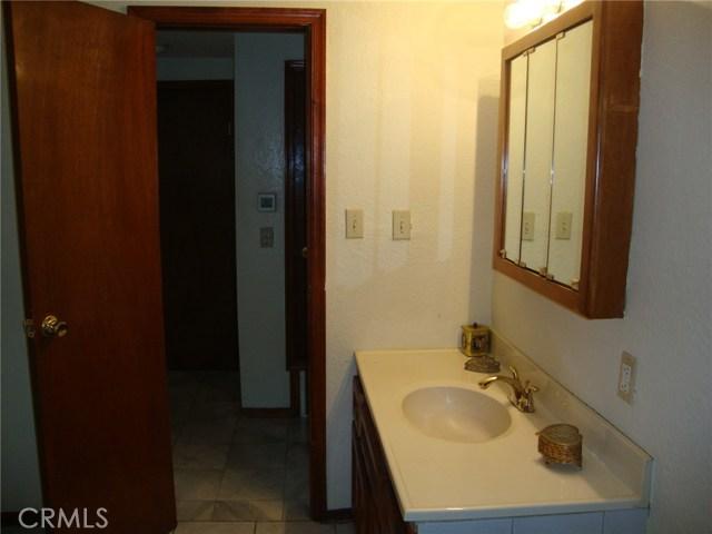 34951 Gail Avenue, Yucaipa CA: http://media.crmls.org/medias/291e2858-686f-4a9b-bff3-46fe44acd85e.jpg