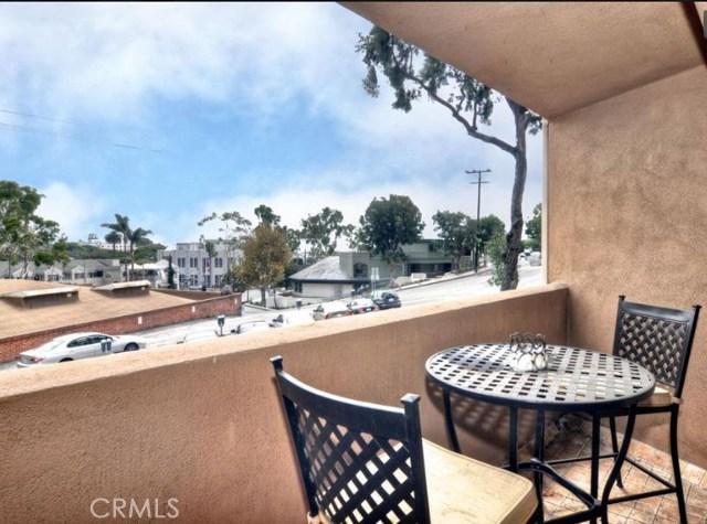 100 Cliff Drive, Laguna Beach CA: http://media.crmls.org/medias/2934a390-2133-473b-ae61-2434b4918f0f.jpg