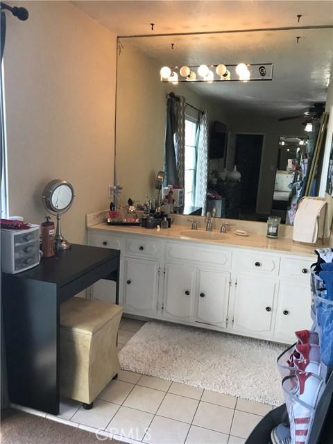 10536 Newville Avenue, Downey CA: http://media.crmls.org/medias/29363be9-ff69-4465-9def-82f5add5b21b.jpg