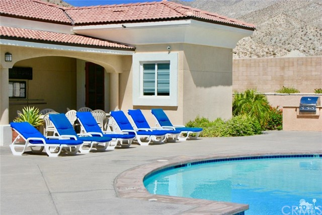 65119 South Cliff Circle, Desert Hot Springs CA: http://media.crmls.org/medias/293e4c31-d9c6-47ed-8532-c65804371799.jpg