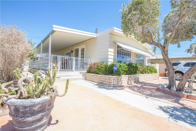 32100 San Miguelito Dr, Thousand Palms, CA 92276-2
