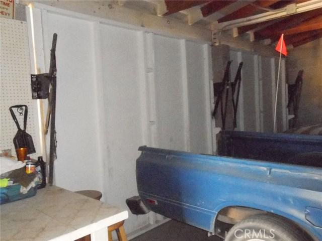 2751 Meriwether Road, 29 Palms CA: http://media.crmls.org/medias/2960d8e1-0983-4de3-acfb-358d34dc268d.jpg