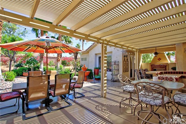 78936 Spirito Court, Palm Desert CA: http://media.crmls.org/medias/297495a7-e04a-4d3e-aa4b-18440d124942.jpg
