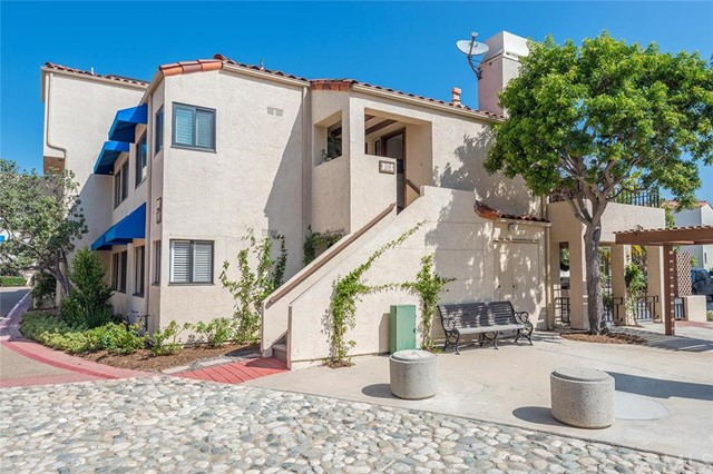 3211 Anne Circle Huntington Beach, CA 92649 is listed for sale as MLS Listing OC16158007