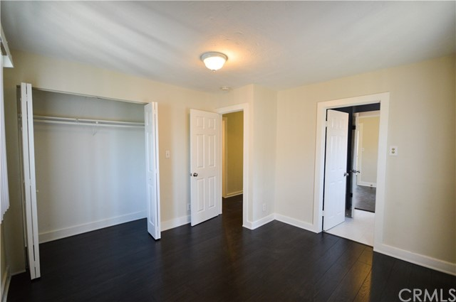 413 W 109th Place Unit 2 Los Angeles, CA 90061 - MLS #: DW18113700