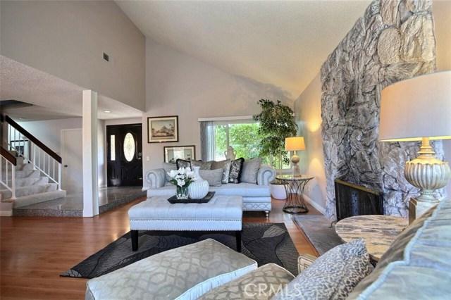 独户住宅 为 销售 在 15107 Koury Drive Hacienda Heights, 加利福尼亚州 91745 美国