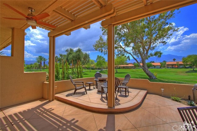 75 Augusta Drive, Rancho Mirage CA: http://media.crmls.org/medias/29b0c95d-5166-4f6a-8480-c9a426ce06d0.jpg