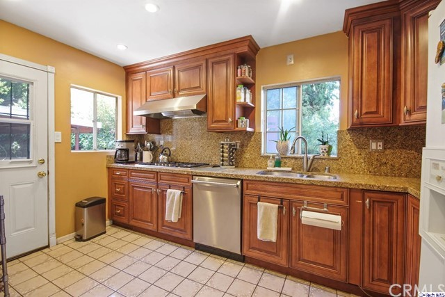 Single Family Home for Sale at 3612 Avenue 42 W Los Angeles, California 90065 United States
