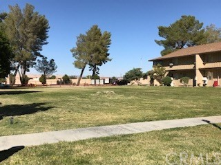 21301 Lake Shore Dr, California City, CA 93505 Photo