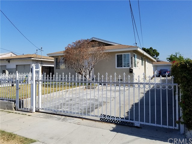 Single Family for Sale at 4325 106th Street W Lennox, California 90304 United States