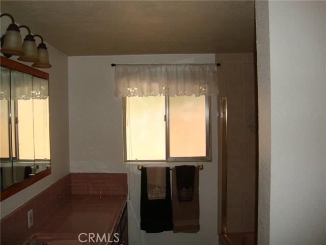 34951 Gail Avenue, Yucaipa CA: http://media.crmls.org/medias/29c39aaa-1697-4ed2-b42f-b69d6832a21a.jpg