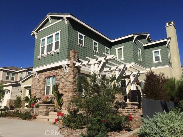 125 Straw, Irvine CA: http://media.crmls.org/medias/29c6083c-4d6b-437e-ab52-74dad12f4f21.jpg