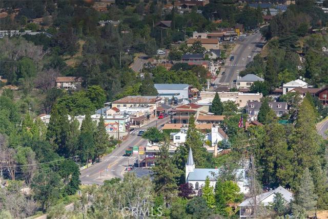 4854 Hwy 49 S, Mariposa CA: http://media.crmls.org/medias/29c70ddc-5742-48a1-9026-bea7e4c7b844.jpg