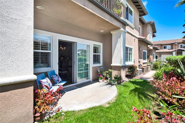 17772 Independence Lane, Fountain Valley CA: http://media.crmls.org/medias/29c9065a-3c80-48dc-a840-73a985c783c2.jpg
