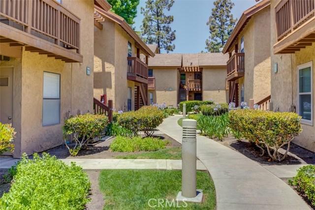 147 Lemon Grove, Irvine CA: http://media.crmls.org/medias/29cdb3d6-ed41-4bb6-8e7d-74ec7858ee4c.jpg