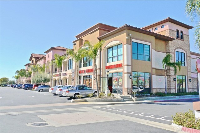 11940 Foothill, Rancho Cucamonga CA: http://media.crmls.org/medias/29d0969e-f448-4f7e-8cb2-724894c1114d.jpg