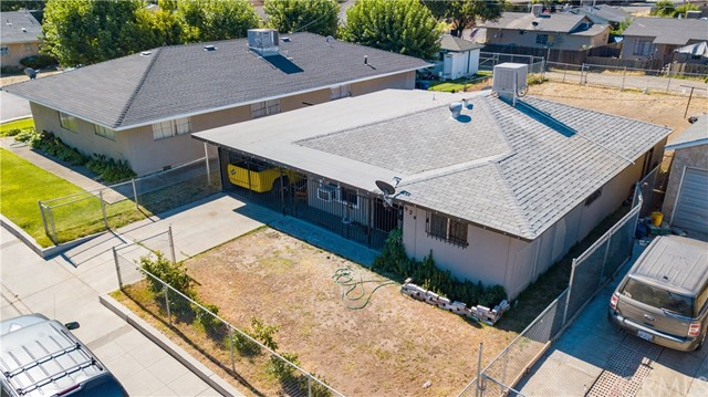Detail Gallery Image 1 of 11 For 924 E Cleveland Ave, Madera, CA 93638 - 3 Beds | 1 Baths