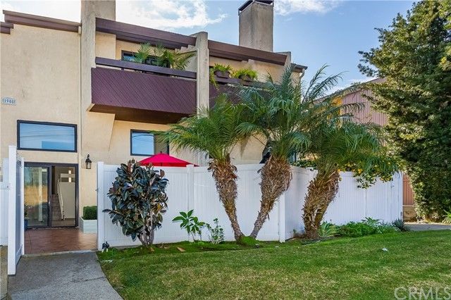 1908 Vanderbilt Ln, Redondo Beach, California 90278, 2 Bedrooms Bedrooms, ,3 BathroomsBathrooms,Townhouse,For Sale,Vanderbilt Ln,OC20004303