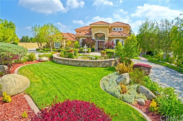Single Family Home for Sale at 1042 East Belmont AbbeyLane Claremont, California 91711 United States