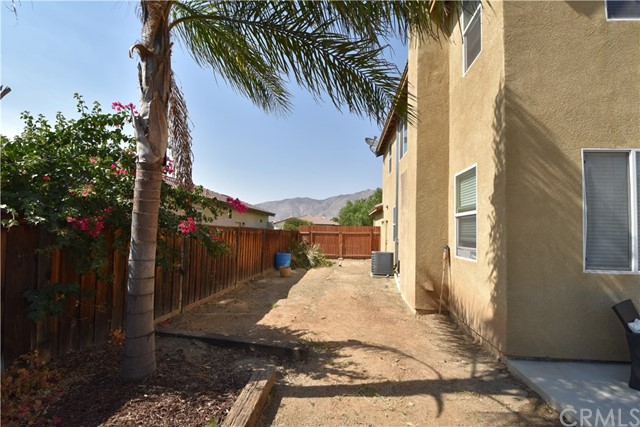 1094 Reward Street, San Jacinto CA: http://media.crmls.org/medias/29ec9a32-c835-454f-b43e-5168cfd3bd27.jpg