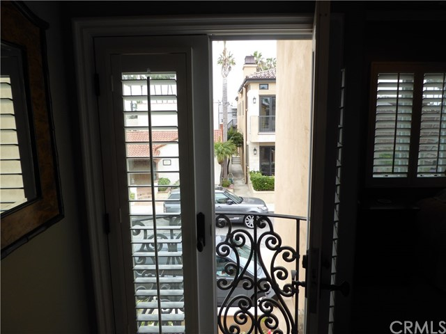 5728 Campo Walk Long Beach, CA 90803 - MLS #: PW18141118