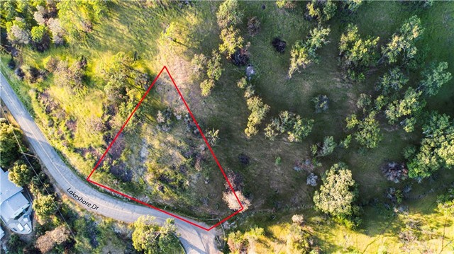 12050 Lakeshore Drive, Clearlake CA: http://media.crmls.org/medias/29fff860-2d7b-4a04-86fd-6ef80988755f.jpg