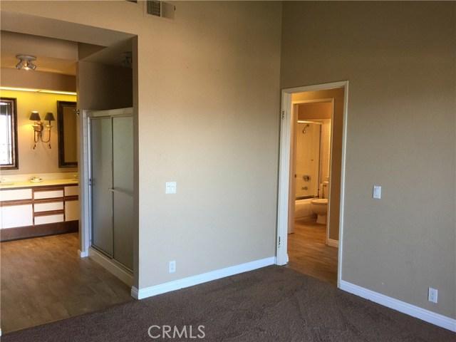 8055 E Sandstone Drive, Anaheim Hills CA: http://media.crmls.org/medias/2a00e25e-725c-49d3-b782-990f941f803a.jpg