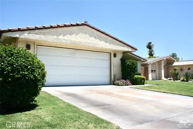 77596 Edinborough Street, Palm Desert CA: http://media.crmls.org/medias/2a03b477-f365-4dd8-a7f3-c527a604e1d2.jpg