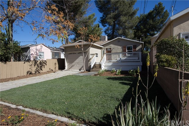 10244 Whitegate Avenue, Sunland CA: http://media.crmls.org/medias/2a078429-8dd4-42be-8c40-70748240363f.jpg
