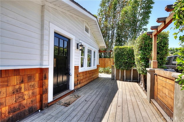 515 Reed Street Laguna Beach, CA 92651 is listed for sale as MLS Listing LG16163033