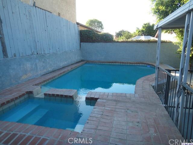 8254 Wentworth Street, Sunland CA: http://media.crmls.org/medias/2a28b98c-3958-4e73-9a01-4d2387e9ba69.jpg