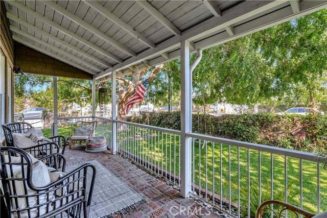 2133 Orange, Costa Mesa CA: http://media.crmls.org/medias/2a294699-d1b8-4519-a2ea-03331dc2db4f.jpg