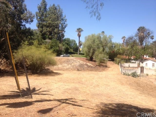 myrtle, Riverside, CA 00000