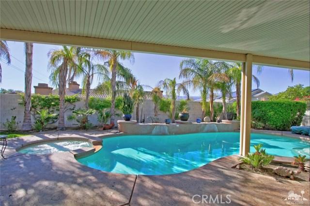 7 Dickens Court, Rancho Mirage CA: http://media.crmls.org/medias/2a2fa429-3693-4ade-b471-6a8007b5f1fb.jpg
