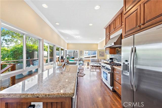 954 Miramar Street, Laguna Beach CA: http://media.crmls.org/medias/2a52f92b-1571-473b-b1ca-d173a928a717.jpg