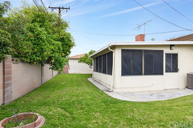 645 S Gilbert St, Anaheim, CA 92804 Photo 2