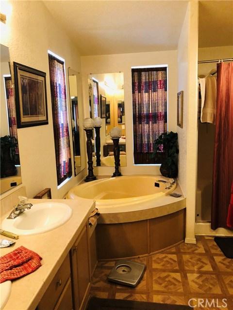 4901 Green River Road, Corona CA: http://media.crmls.org/medias/2a7e5878-857d-49ad-8da0-336e2ef955c4.jpg