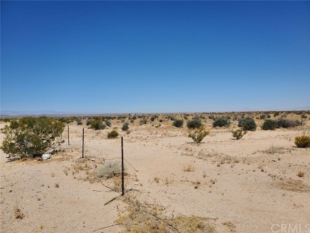 1 Indian Trail, 29 Palms CA: http://media.crmls.org/medias/2a7fb968-a608-4e6c-8eba-2644f9fd8f81.jpg