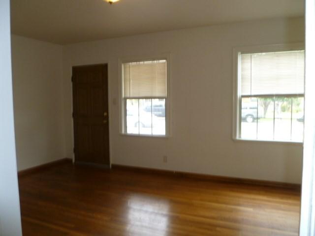 14033 Lefloss Avenue, Norwalk CA: http://media.crmls.org/medias/2a84ba6d-383d-42e6-a0f3-b8444a08a38c.jpg