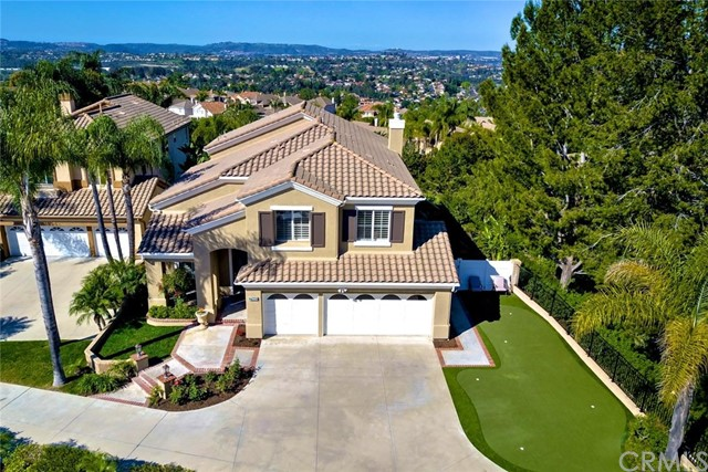 Single Family Home for Sale at 27402 Avanti Drive Mission Viejo, California 92692 United States