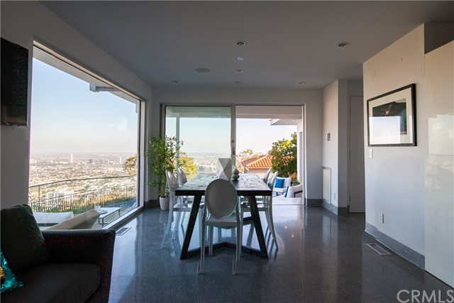 1500 Viewsite Ter, Los Angeles, CA 90069 Photo 13
